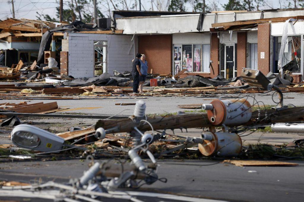 FOTO:Na Floridi se po orkanu Michaelu soočajo z opustošenjem