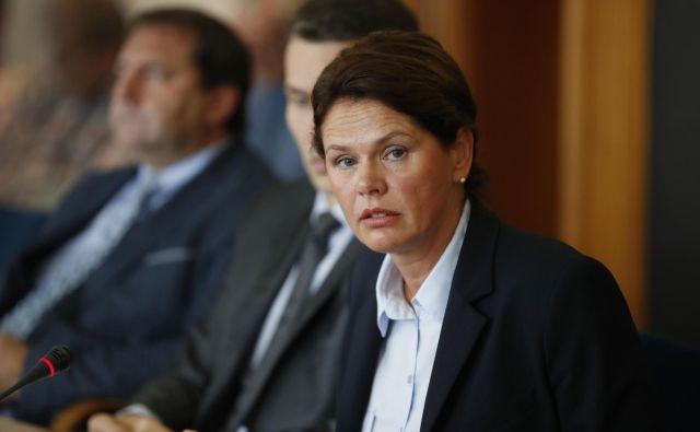 Infrastrukturna ministrica Alenka Bratušek se zavzema za kar največjo možno transparentnost. FOTO: Leon Vidic/Delo