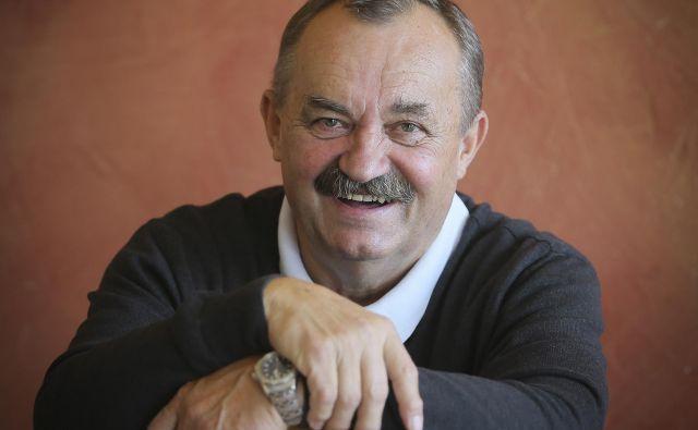 Tomo Levovnik je navdušen nad slovenskimi uspehi v ekipnih športnih panogah.<br /> FOTO Jože Suhadolnik