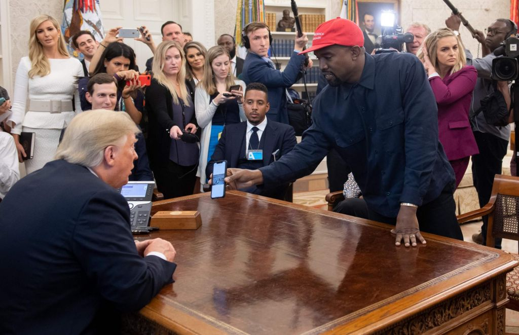 FOTO:Kanye West z monologom zasenčil Trumpa (VIDEO)