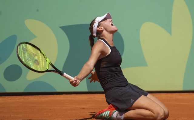 Kajin nastop je spremljala tudi velika Gabriela Sabatini. FOTO: Florian Eisele/AP