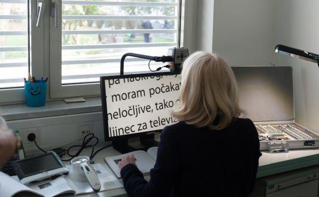 V interdisciplinarnem timu sodelujejo tudi strokovnjaki za uporabo informacijsko-komunikacijske tehnologije. Foto arhiv očesne klinike