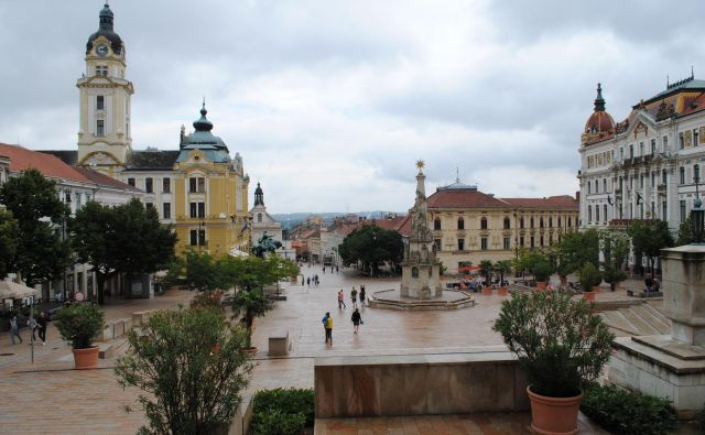 Duha svetovljanskosti ni zaznati le na osrednjem trgu, temveč po vseh ulicah Pécsa. FOTO: Veronika Sorokin