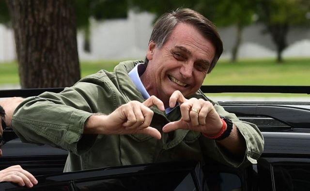 Jair Bolsonaro je na volitvah zmagal na pogon lažnih novic, rasizma, homofobije, šovinizma, militarizma, protimigrantstva ... FOTO: AFP