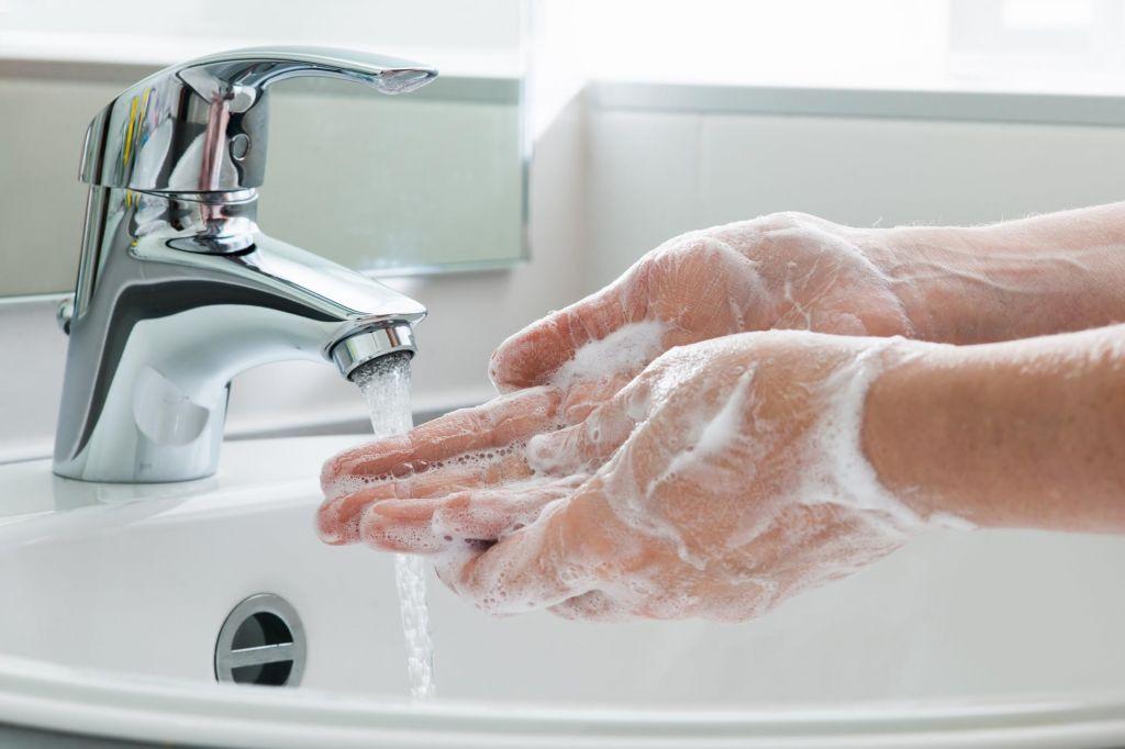 Zakaj je pomembno, da si umivamo roke
