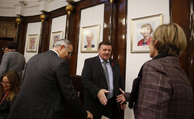Minister za zdravje Samo Fakin vseh predstavnikov osmih sindikatov s področja zdravstva ni pomiril. Foto Matej Družnik
