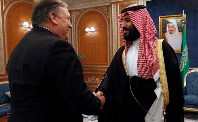 Ameriški zunanji minister Mike Pompeo se je v Rijadu srečal s tudi s spornim prestolonaslednikom Mohamedom bin Salmanom. FOTO: Leah Millis/AFP