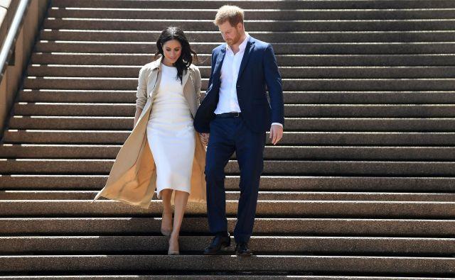 Zakonca med obiskov operne hiše v Sydneyju FOTO: Reuters