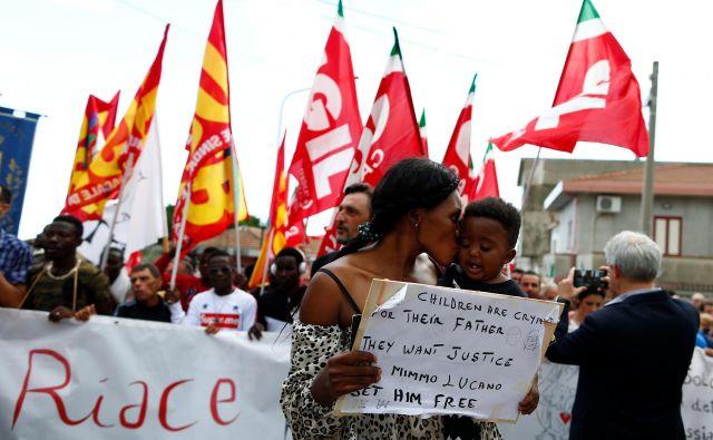 Prebivalci Riaceja so v začetku meseca izrazili podporo svojemu županu in viziji, ki jo zagovarja. Foto Reuters