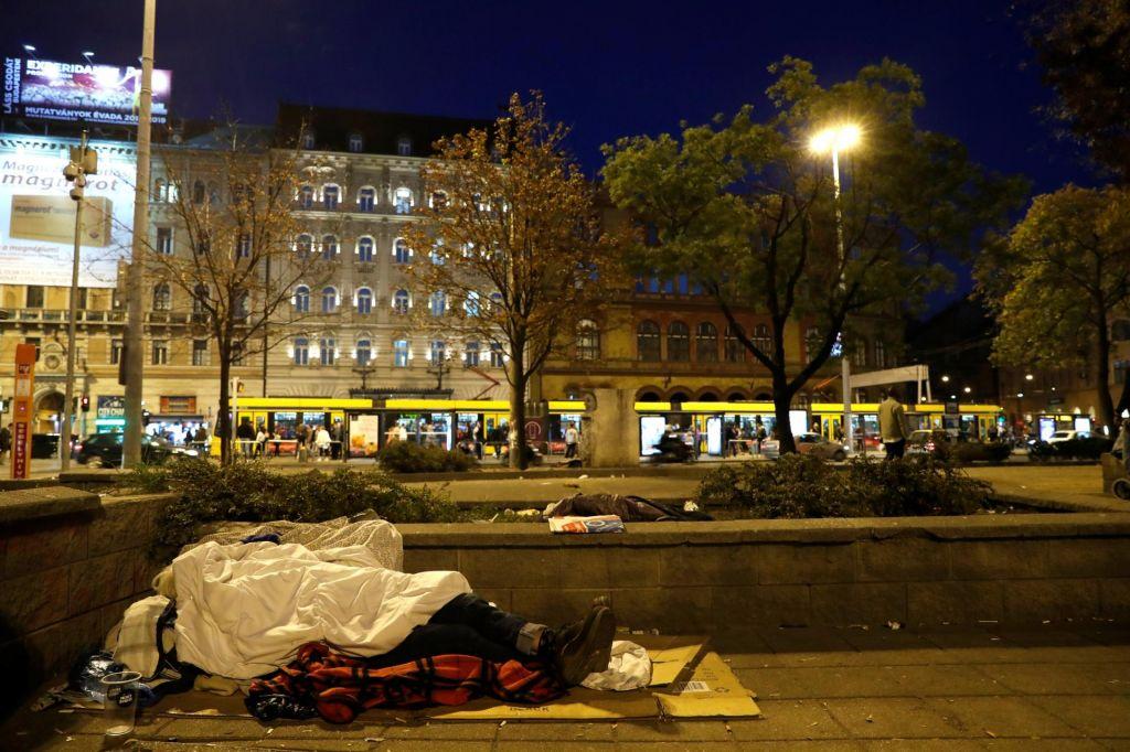 FOTO:Z ustavno prepovedjo nad brezdomce