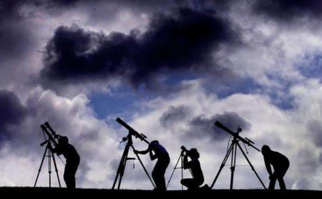 En sam redek, nenavaden in kratek dogodek nas lahko nauči o vesolju več kot na milijarde običajnih zvezd v milijardah let. FOTO:Reuters