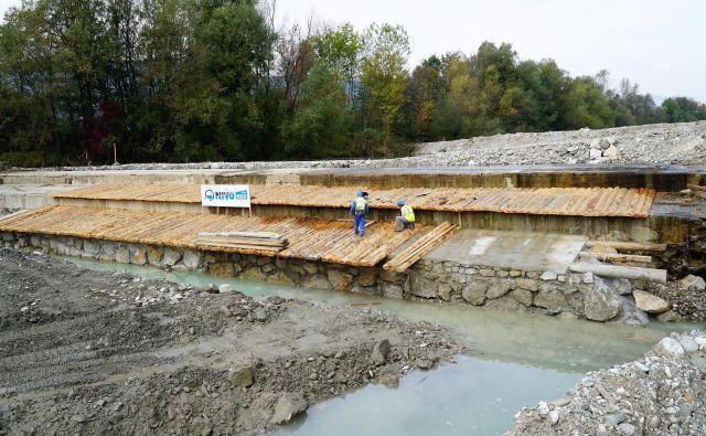 Gradnja Podvinskega jezu na Savinji bo končana v dveh mesecih. FOTO: Brane Piano