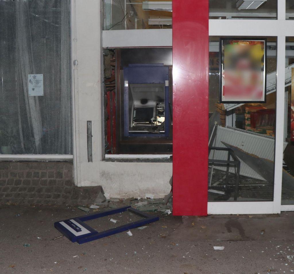 40-letnik razstrelil bankomat