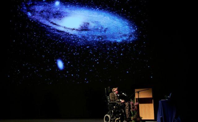 Hawking, bil je velik kritik brexita in ameriškega predsednika Donalda Trumpa, je tik pred smrtjo marca letos dejal, da je svet na robu velike spremembe. Foto Reuters