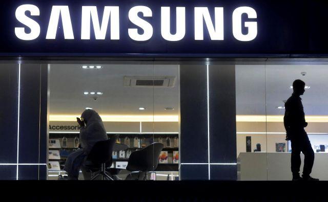 Ni še znano, kdaj bodo na trg prišle prve naprave s 7-nm čipi. FOTO: Reuters