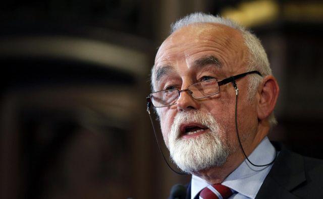 Predsednik flamskega parlamenta Jan Peumans se je obregnil ob špansko nasilje 1. oktobra lani. FOTO: Reuters