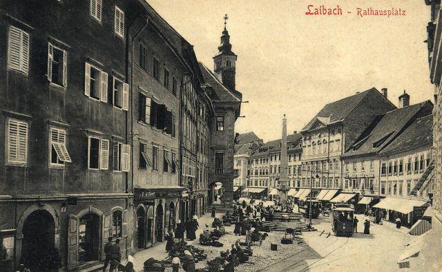Ljubljanski Mestni trg leta 1903. Fotografija Zgodovinski arhiv Ljubljana