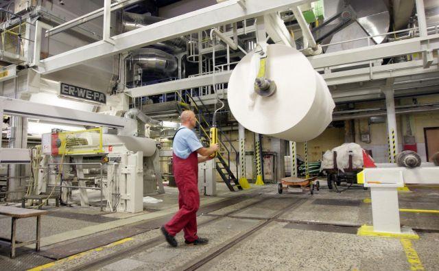 Delovne razmere v papirni industriji so težke, opozarjajo v sindikatu. Foto Tadej Regent/Delo