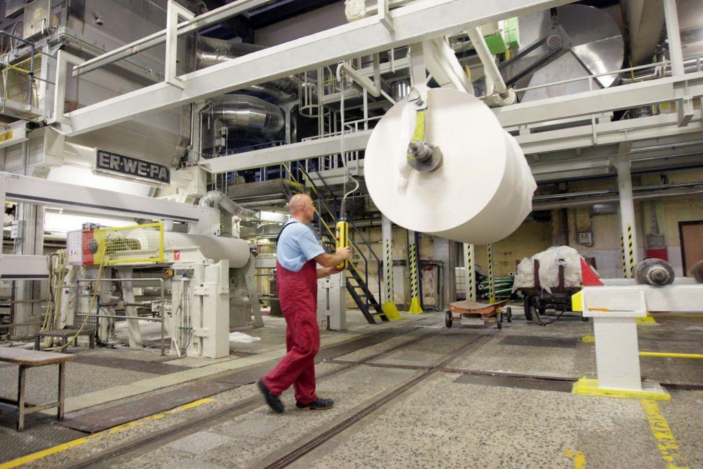 FOTO:Delavci stopnjujejo pritisk na plače