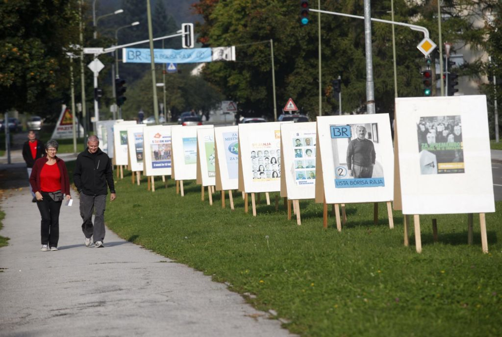 FOTO:Mesec pred volitvami izvoljenih že 30 županov