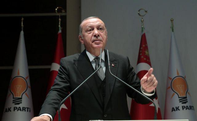 Perdsednik Erdogan je dejal, da bodo odgovorne privedli pred roko pravico. FOTO: Handout