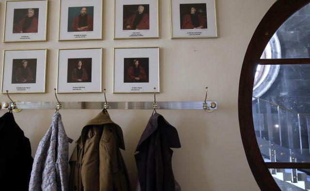 V sredo se bo Pahor o možnih kandidatih za ustavnega sodnika posvetoval še z vodji poslanskih skupin SD, SMC, Levice, NSi, Saba in Desusa, v četrtek pa še s SNS in predstavnikoma narodnih skupnosti. Foto Jože Suhadolnik. FOTO: Blaž Samec/Delo