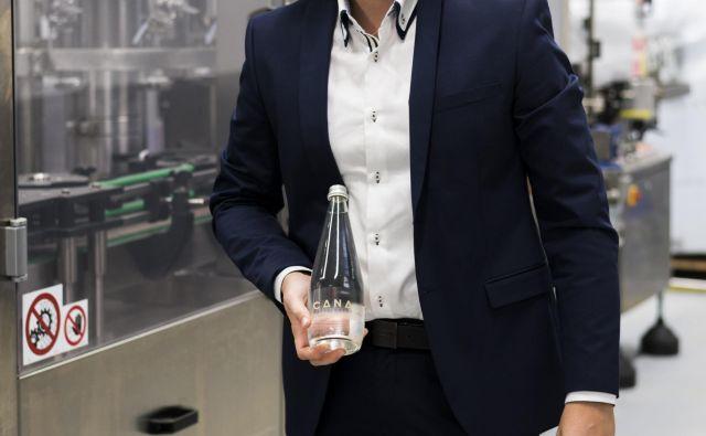 Niko Huber bo ljudem ponudil edinstveno mineralno vodo. Foto Jan Vitez