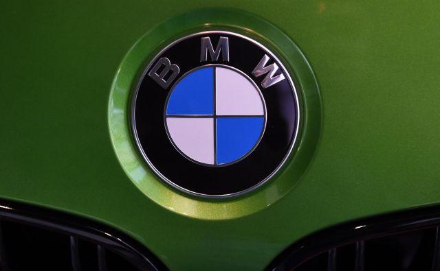 BMW kliče na popravilo.