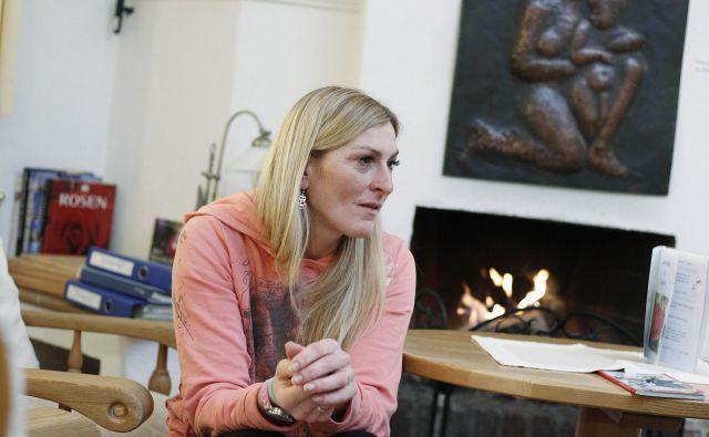 Janica Kostelić, na fotografiji med intervjujem za Delo pred dvema letoma, bo v začetku prihodnjega leta postala mama. FOTO: Leon Vidic/Delo