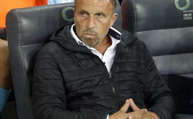 Trenerju Gorice Miranu Srebrniču s taktična odločitev, da spočije najbolj utrujene igralce, ni izšla po načrtih. FOTO: Roman Š�ipić/Delo
