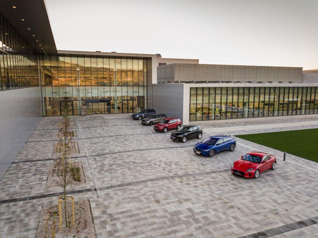 Land Rover in Jaguar s tovarno na Slovaškem