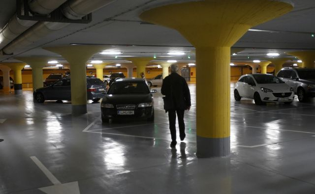 Svetla tla v drugi etaži FOTO Blaž Samec