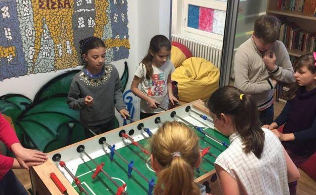 Namizni nogomet med počitnicami. FOTO Arhiv Mladi zmaji