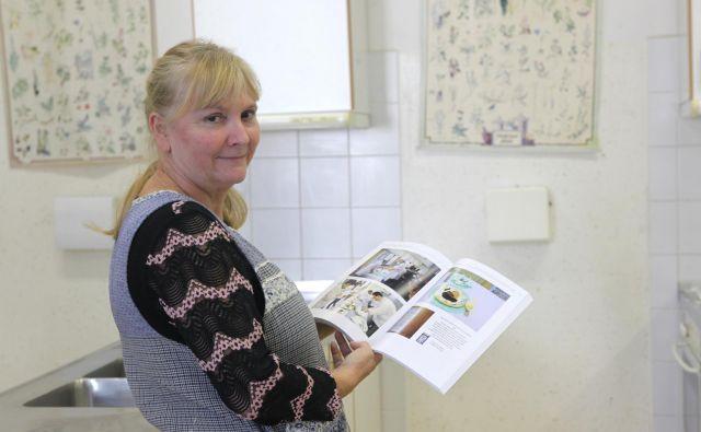 Nada Brezovar, učiteljica na zagorski OŠ Ivana Skvarče, je poskrbela za prvi zgodovinski pregled pouka gospodinjstva pri nas.