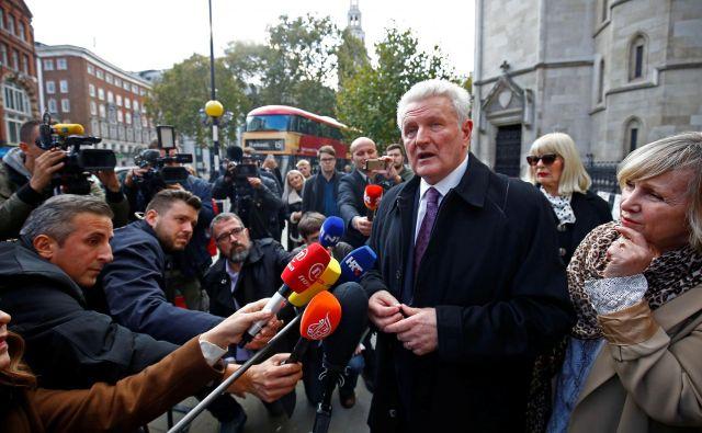 Ivica Todorić v pogovoru z novinarji po tem, ko je sodišče odločilo, da bo izročen na Hrvaško. FOTO: REUTERS/Henry Nicholls
