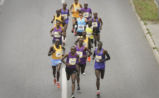 Tudi letos bodo razplet krojili tekači iz afriških držav. Slika je simoblična. FOTO: Jože Suhadolnik/Delo