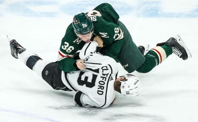 Hokejisti Minnesote so bili boljši v vseh elementih igre, tudi v pretepih. FOTO: Reuters