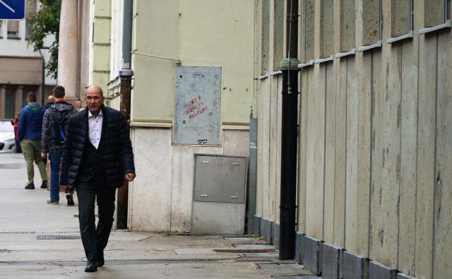 Janez janša je zjutraj spet prišel na celjsko sodišče. FOTO: Brane Piano