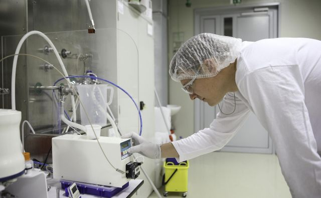 Farmacevtska industrija krize pri zaposlovanju ni občutila. FOTO: Jože Suhadolnik