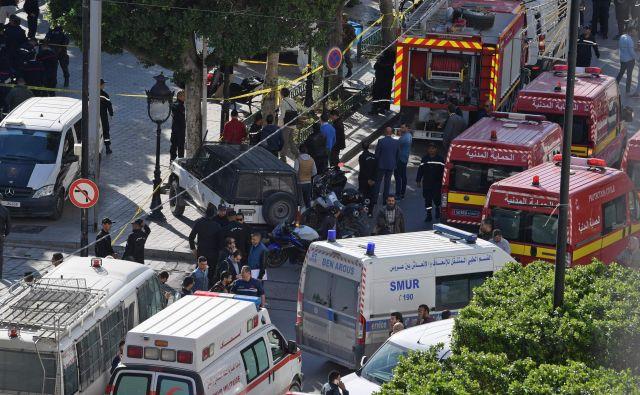 Napad se je zgodil na aveniji Habib Bourguiba v središču Tunisa. FOTO: Fehti Belaid/AFP