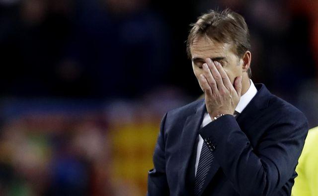 Usodo Julena Lopeteguija na klopi Reala je zapečatil nedeljski poraz proti Barceloni z 1:5. FOTO: AP