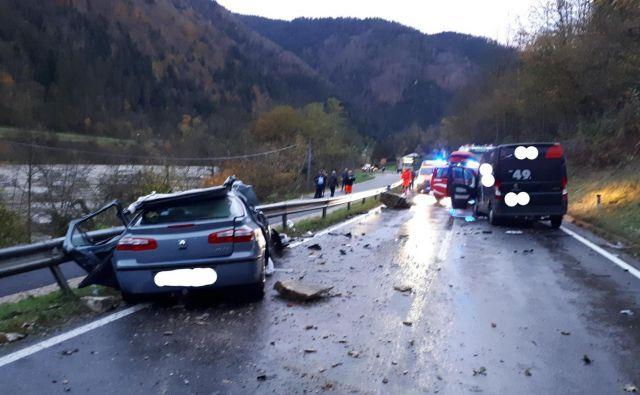 Prometna nesreča je terjala dve življenji. FOTO: Pgd Radlje