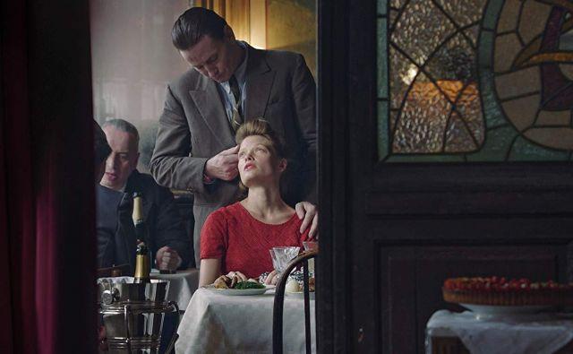 V vlogi Marguerite Duras v filmu Emmanuela Finkiela je kritiko navdušila francoska igralka Mélanie Thierry. Foto promocijsko gradivo