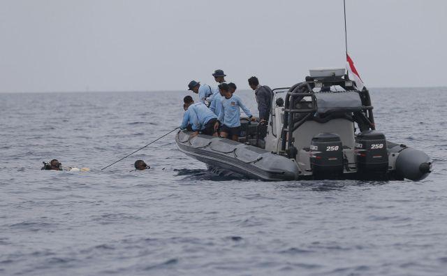 Nesreča je sprožila zaskrbljenost zaradi varnosti v hitro razvijajoči se letalski industriji v Indoneziji. FOTO: Tatan Syuflana/AP