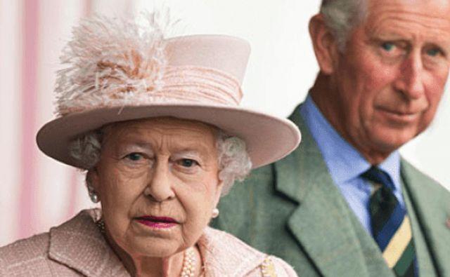 Britanska kraljica in princ Charles nikdar na pot brez zdravnika. Foto Afp