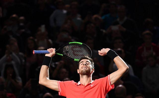 Karen Hačanov se je izkazal na mastersu v Parizu, kjer je z zmago v finalu nad Novakom Đokovićem dosegel uspeh kariere. FOTO: Anne-Christine Poujoulat/AFP