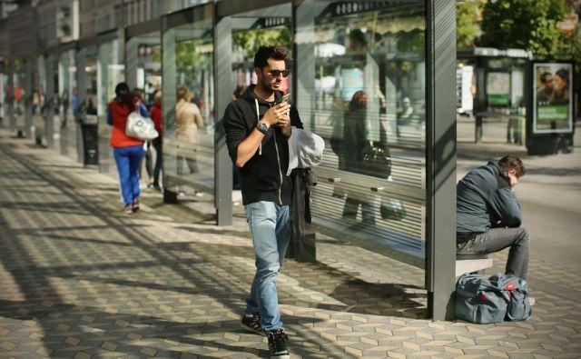 Enajst avtobusnih postajališč na območju Večne poti, Vrhovcev in Tržaške cest bo uredil KPL. FOTO: Jure Eržen/Delo