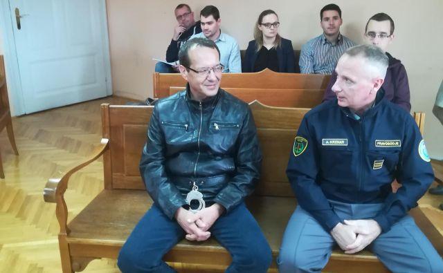 Janko Tomić, ki je zadel dva od bežečih napadalcev, po besedah zagovornice na daleč slabo vidi. FOTO: Aleš Andlovič