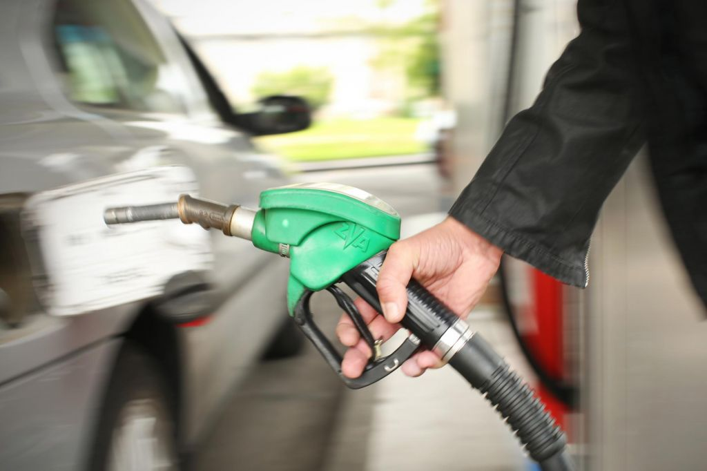 Pocenitev reguliranih cen bencina in dizla