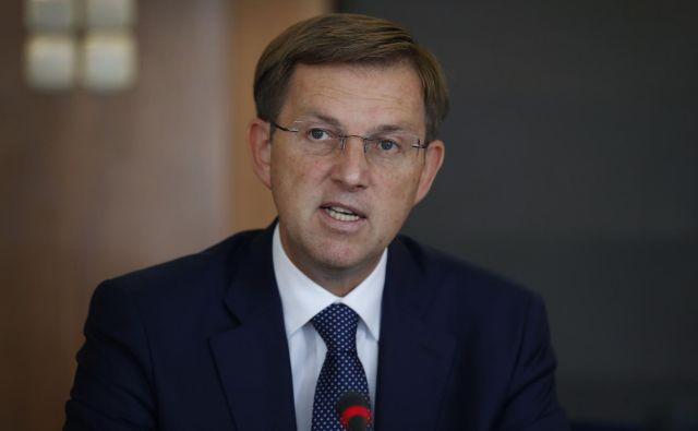 Zunanji minister Miro Cerar je dan pred delovnim obiskom v Avstriji sprejel predstavnike slovenske narodne skupnosti. FOTO: Leon Vidic/Delo